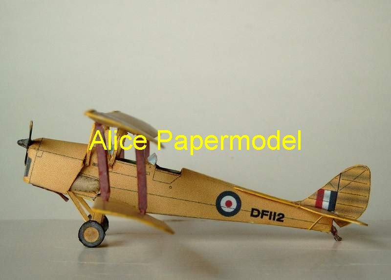 De Havilland DH82 Tiger Moth old vintage aircraft biplane models