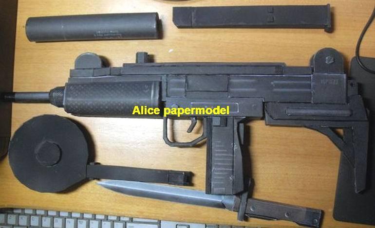 Israel UZI pistol Submachine gun sniper rifle carbine revolver machine shotgun rocket Launcher toy gun weapon model models for sale