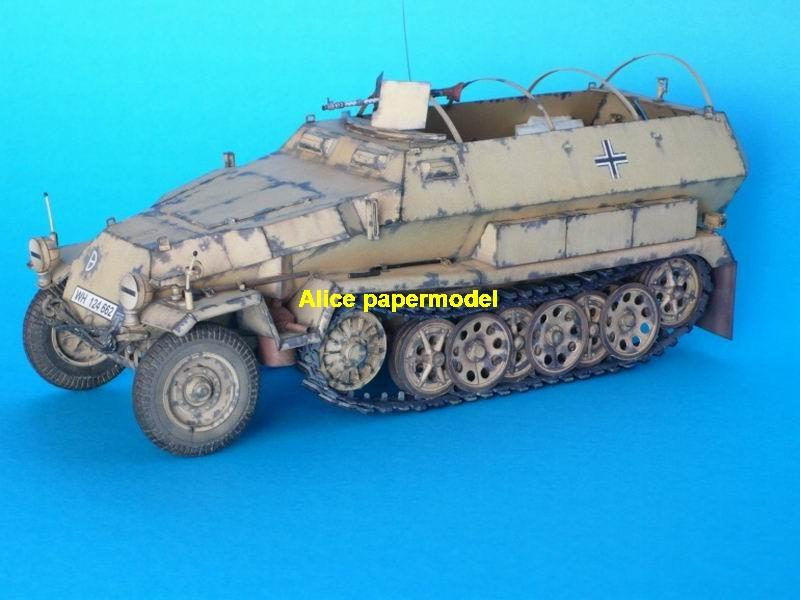 1:35 1:25 1:18 1:16 1:12 1:8 1:6 1:4 scale WWII World War II WW2 German Germany Sdkfz 251 Sd. Kfz. 251 Hanomag half-track half track tank missle launcher artillery truck MBT main battle jeep armored vehicle vehicles military army big large scale size car model models soldier soldiers scene for on sale store shop