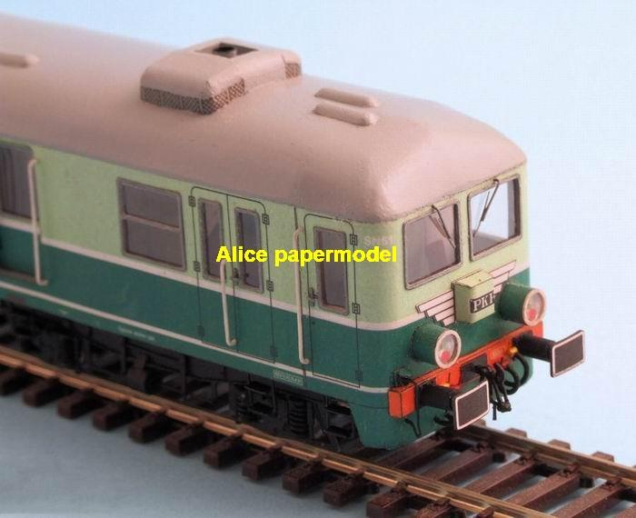 big large scale size Electric train Passenger waggon wagon locomotive subway diesel rail car model models soldiers soldier railway station scene on for sale shop store